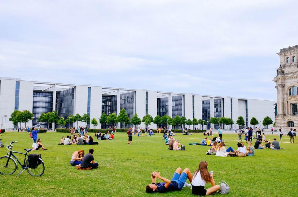 Résidence étudiante ou appartement, que choisir ?