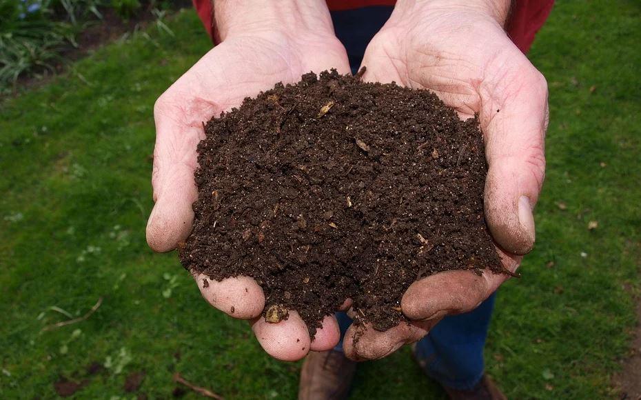 Composteur individuel de jardin