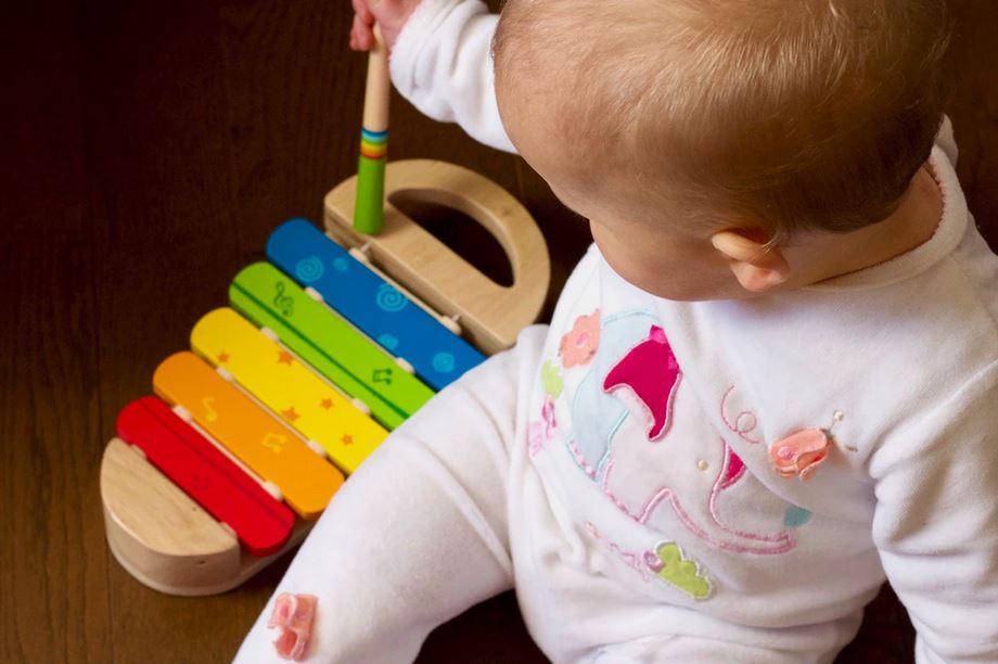 Jeux d'éveil Montessori : comment apprendre tout en s'amusant ?